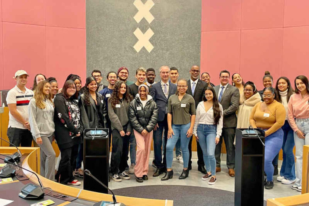 Dutch Caribbean students welcomed in Amsterdam
